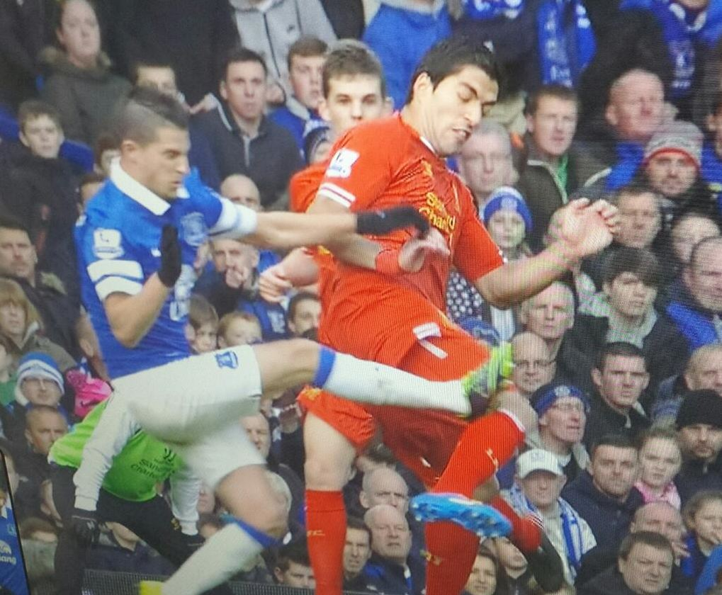 Kevin Mirallas tackle on Luis Suarez in Everton v Liverpool Merseyside derby
