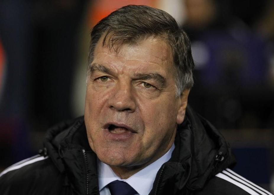 West Ham boss Sam Allardyce 'earning more than Spain coach Del Bosque'