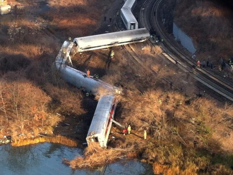 New York: 'Four killed' after train derails in Bronx