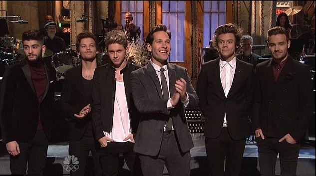 One Direction ruin Paul Rudd's chance to shine (Picture: NBC/YouTUbe)
