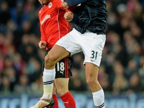 Marouane Fellaini needs to start scoring for Manchester United, says Phil Neville