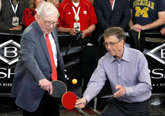 RNPS - PICTURES OF THE YEAR 2013 - Berkshire Hathaway CEO Warren Buffett (L) plays table tennis with Microsoft Chairman Bill Gates in Omaha May 5, 2013 the day after the company's annual meeting. Buffett at the meeting gave the most extensive comments to date about the future of Berkshire Hathaway Inc after he is gone, saying he still expects the conglomerate to be a partner of choice for distressed companies.  REUTERS/Rick Wilking (UNITED STATES - Tags: BUSINESS TPX)