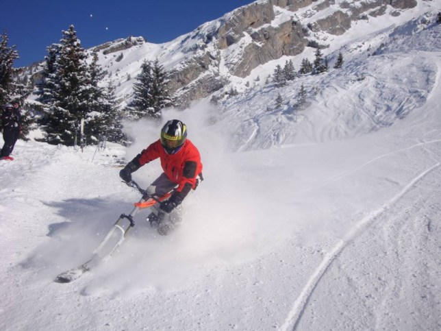 Lara Dunn took the weight off her knees and tried véloskiing down the Aravis mountains in the French alps (Picture: lakeannecy-skiresorts.com)
