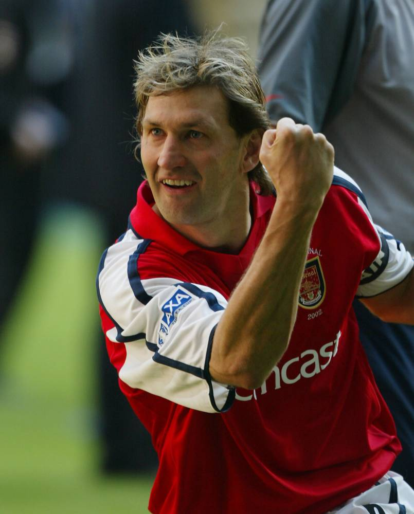TONY ADAMS CELEBRATES AT THE END OF THE GAME FA CUP FINAL 2002 at Millennium Stadium, Cardif ARSENAL v CHELSEA 2-0 . REXMAILPIX.