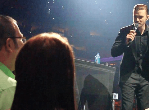 Like I Love You: Justin Timberlake helps fan propose to girlfriend during 20/20 Experience Tour