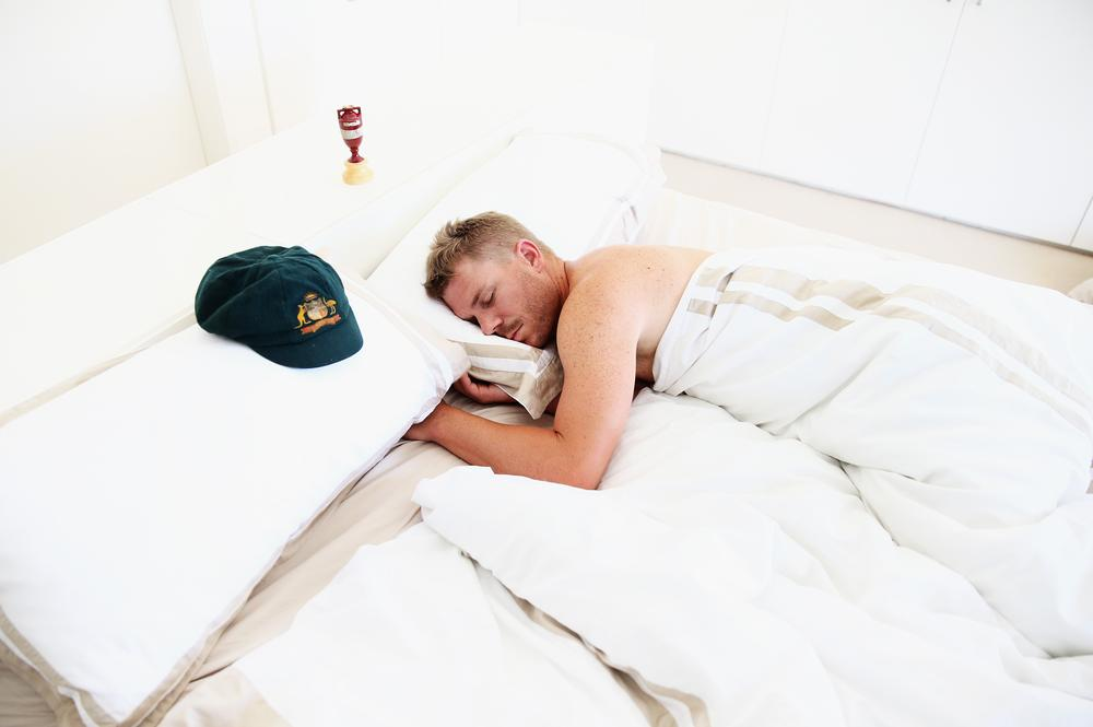 David Warner celebrates Ashes whitewash with Sydney hotel threesome (him, his cap and the urn)