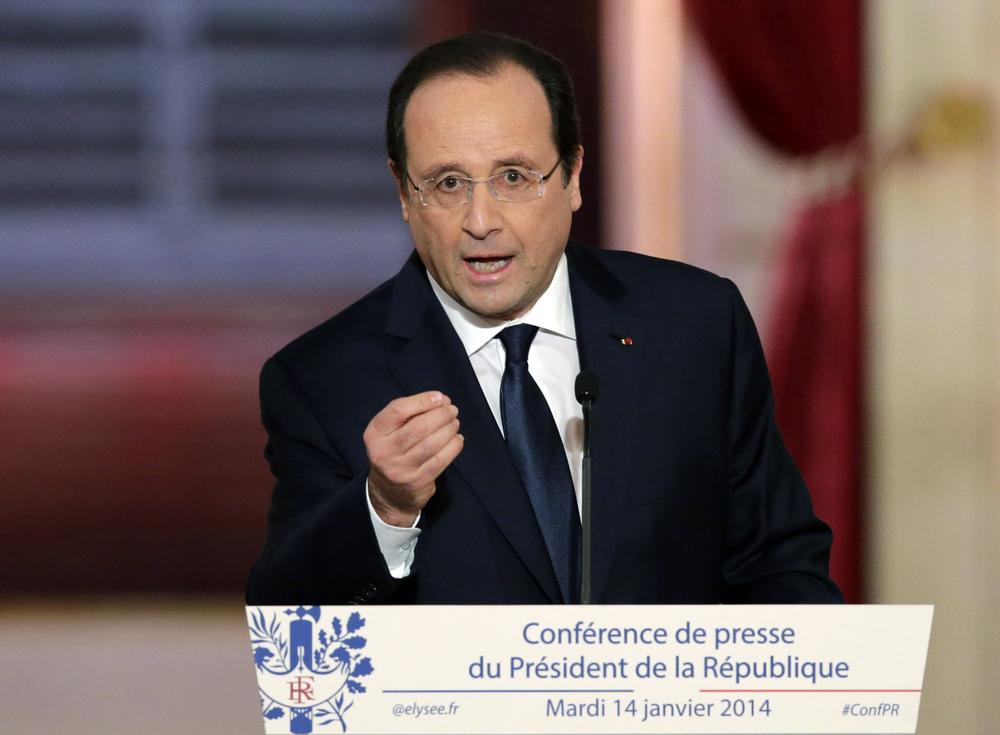 François Hollande appeals for privacy over reports of tryst with actress