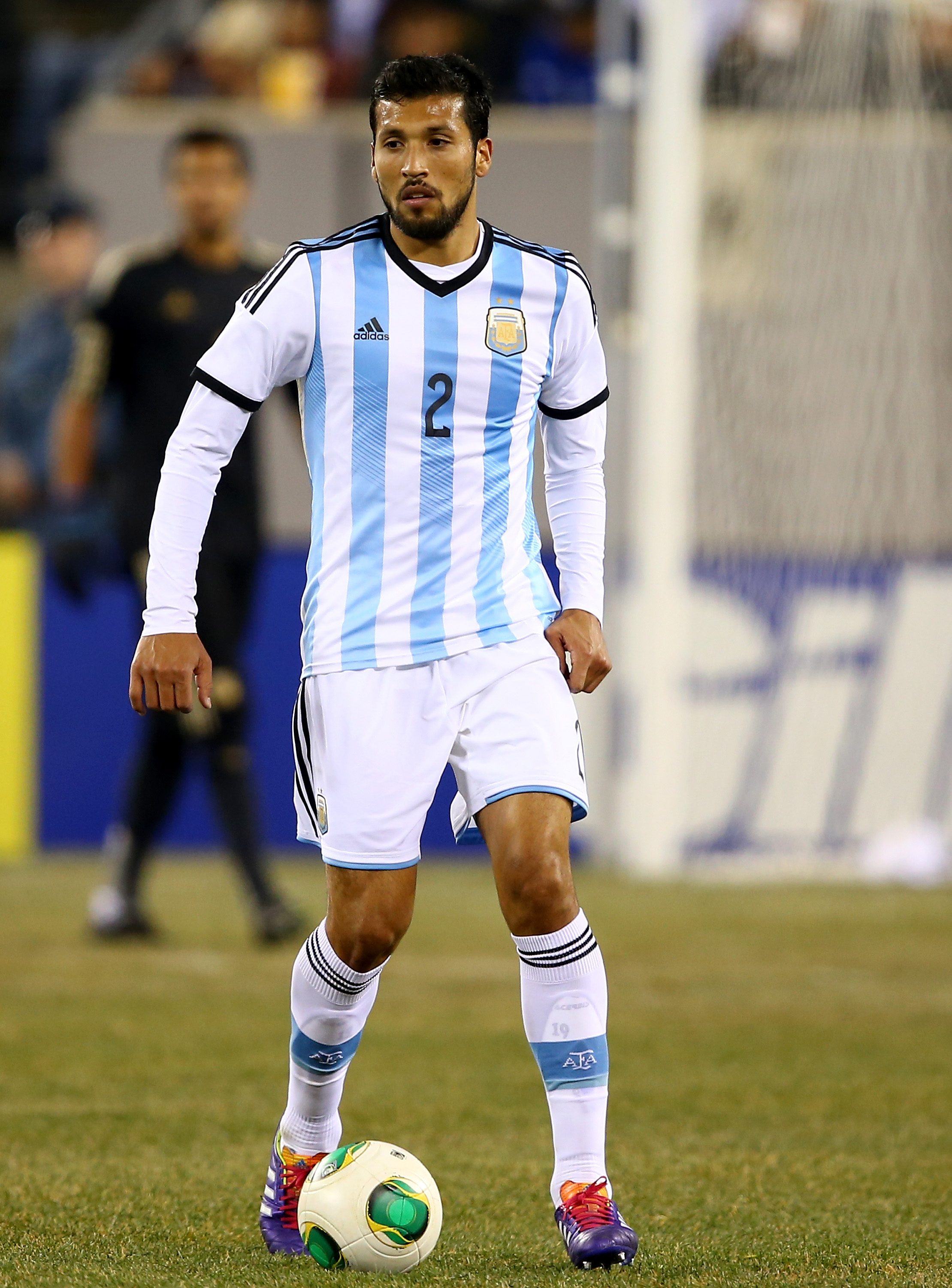 Manchester United close to finally signing Benfica defender Ezequiel Garay