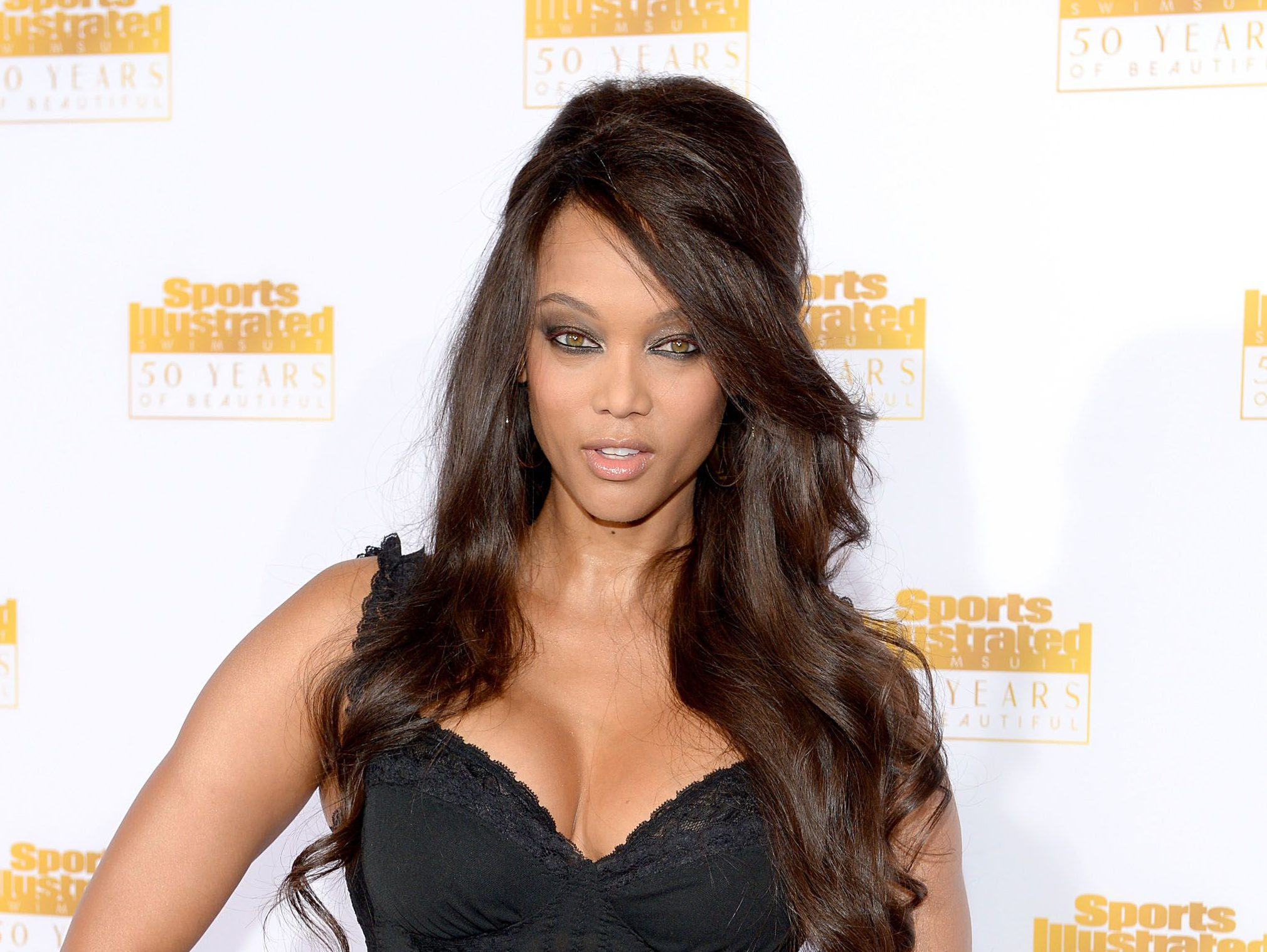 Tyra Banks kills age limit on America's Next Top Model as she replaces Rita Ora on show