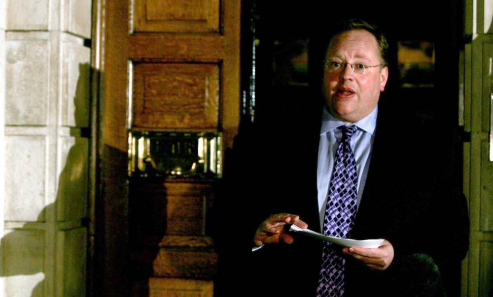 Lord Rennard 'may sue' over Liberal Democrat apology row