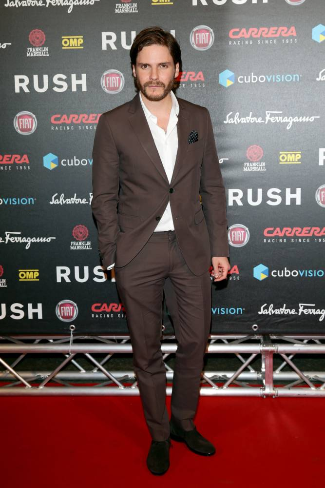 Rush actor Daniel Brühl: English girls are very funny in comparison to Germans