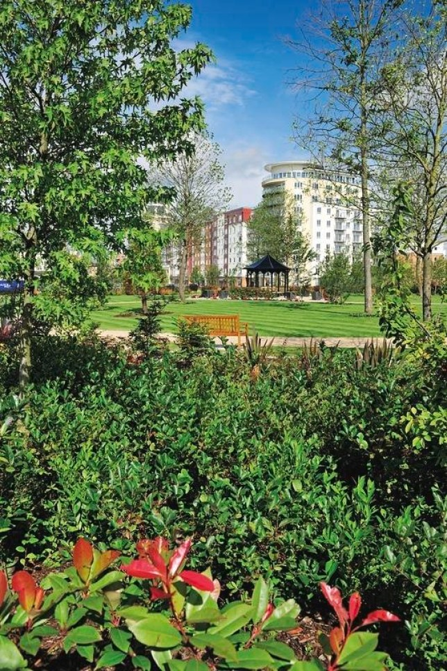 The lush communal gardens at St George's Beaufort Park development (Picture: St George plc)
