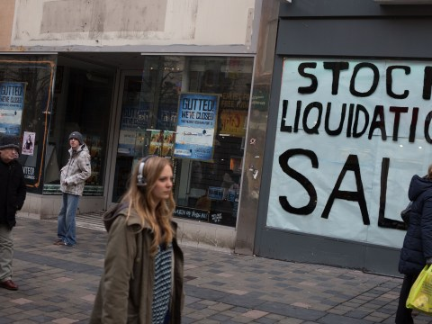High street boost as fewer retailers enter administration