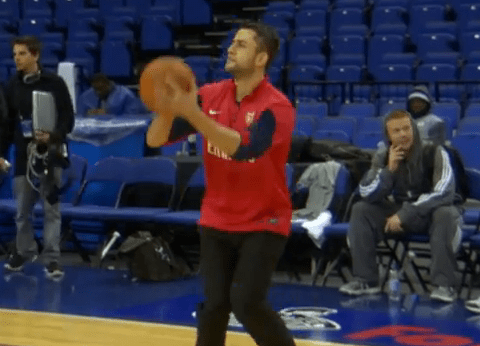 Arsenal goalkeeper Lukasz Fabianski shows off impressive basketball skills