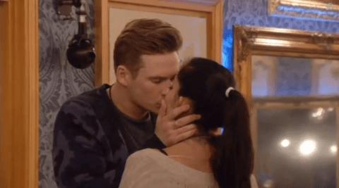 Celebrity Big Brother 2014: Lee Ryan and Jasmine Waltz snog in public, Casey Batchelor goes ballistic