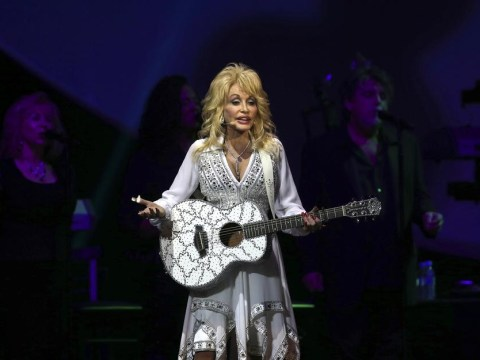 Dolly Parton confirms herself for Glastonbury 2014