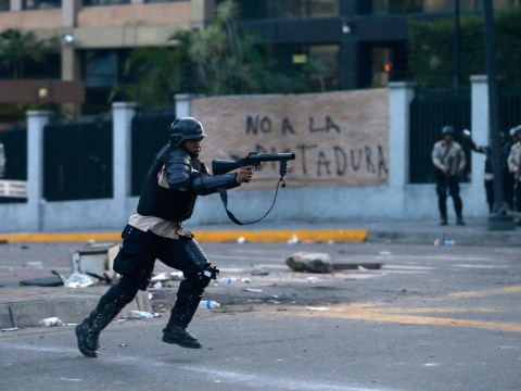 Venezuela: Thousands hit the streets of Caracas in anti-government protests