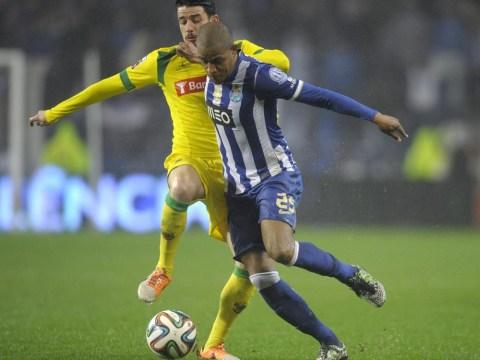 Manchester City and Manchester United transfer target Fernando will move to the Premier League, Porto midfielder's agent reveals