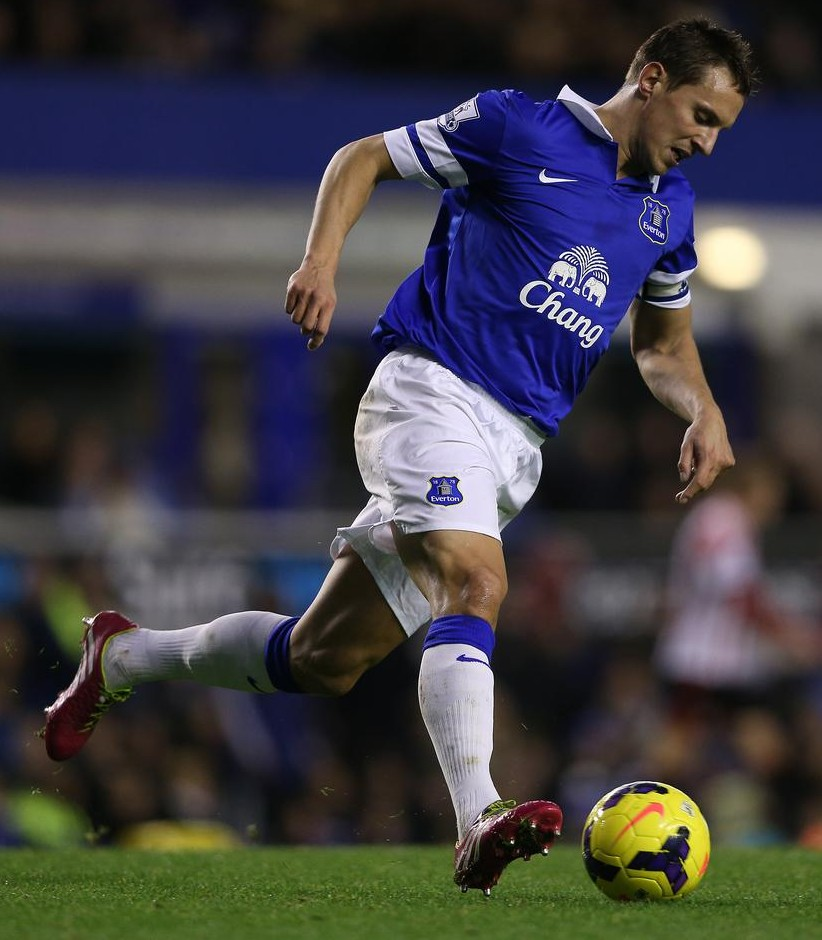 Phil Jagielka admits lack of firepower could cost Everton top-four place
