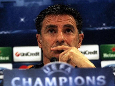 Manchester United could buckle under pressure, says Olympiakos boss Michel