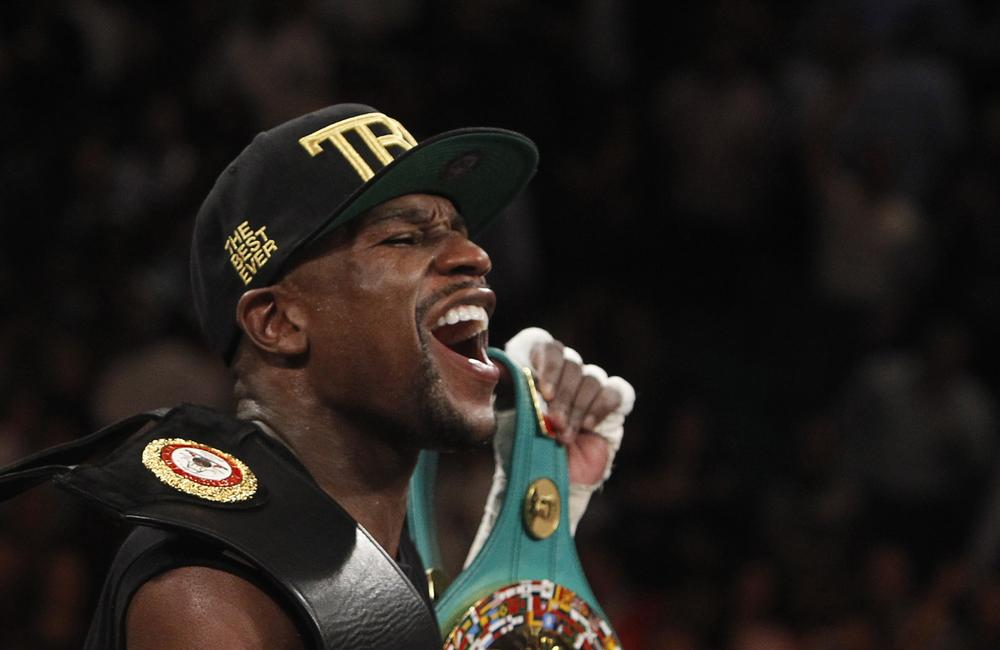 Floyd Mayweather Jr dangles a lucrative carrot in front of Amir Khan