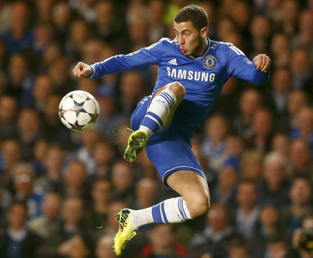 Chelsea's Eden Hazard controls the ball during their Champions League soccer match against Galatasaray at Stamford Bridge in London March 18, 2014. REUTERS/Andrew Winning (BRITAIN - Tags: SPORT SOCCER) Andrew Winning/Reuters
