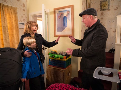 Coronation Street spoiler pictures: Les Dennis ruffles Gail's feathers as he makes debut on the cobbles
