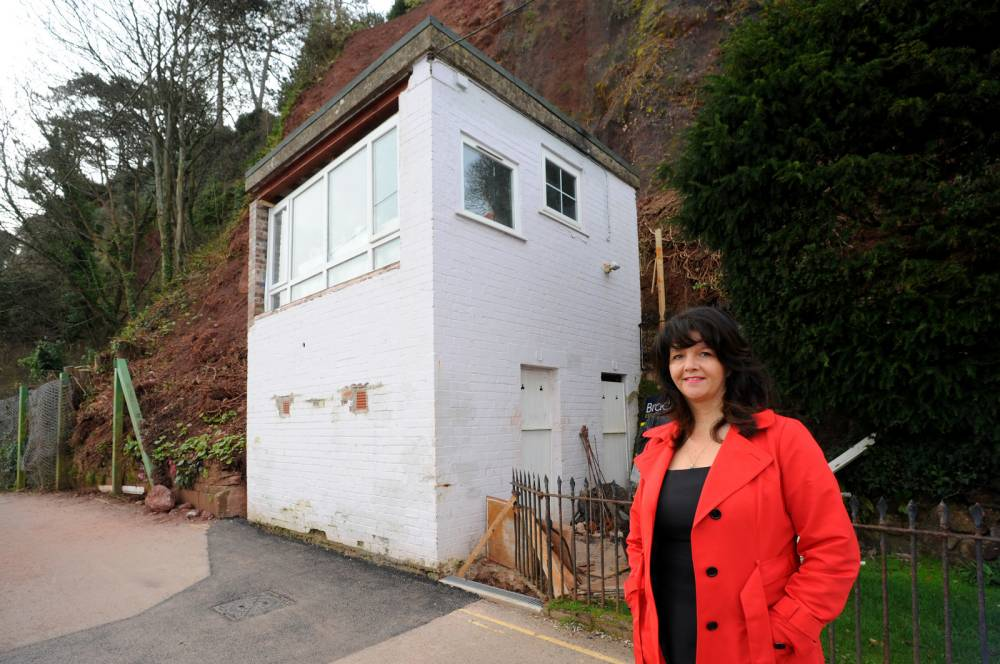 A home with no loo, parking or running water sells for £200,000
