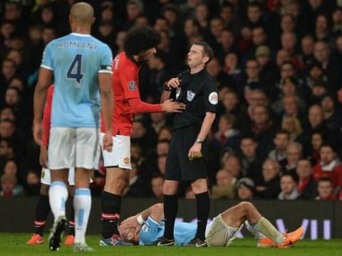 Manchester United v Manchester City: Marouane Fellaini escapes red card for elbow on Pablo Zabaleta