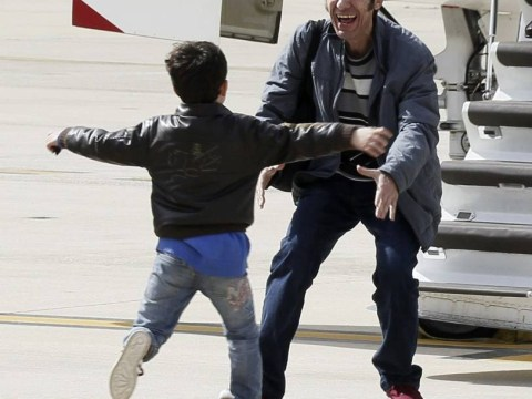 Overjoyed El Mundo journalist reunited with son after six-month Syria captivity