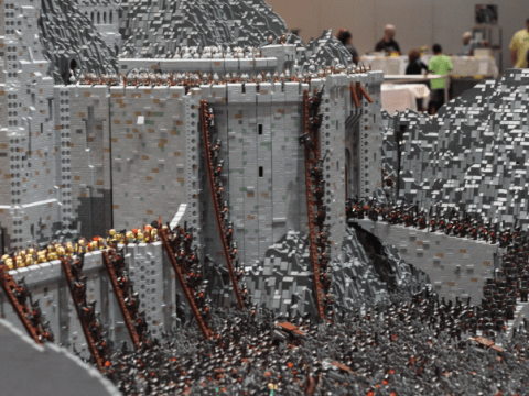 Epic! Battle of Helm's Deep from The Lord of the Rings movie recreated in 11-stone Lego scupture