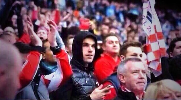 Jordan Henderson watched his former club lose to Manchester City (Picture: Twitter/@safcofficial)