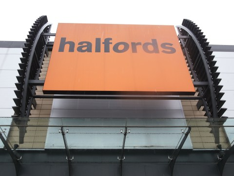 Injured cyclist suing Halfords for £1million after mountain bike split in half