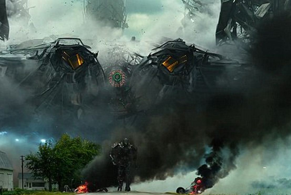 There's plenty of action in the new Transformers 4: Age of Extinction trailer (Picture: Paramount Pictures)