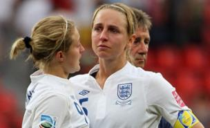 Faye White is consoled by Ellen White (Getty Images)