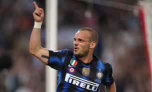 Wesley Sneijder is hoping for a huge salary package (Getty Images)