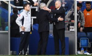 Mark Hughes was unhappy with Martin Jol's handshake (Getty Images)