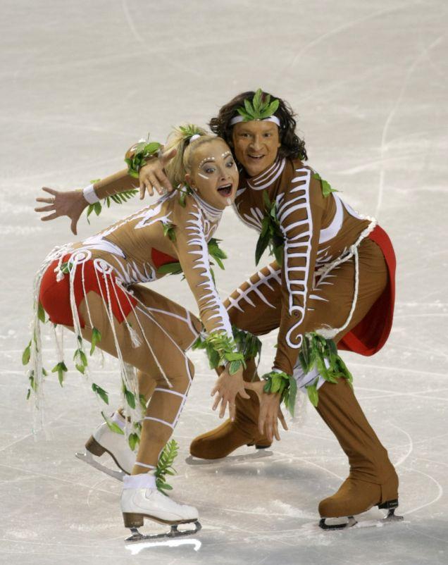 Russia's Oksana Domnina, left, and Maxim Shabalin, right