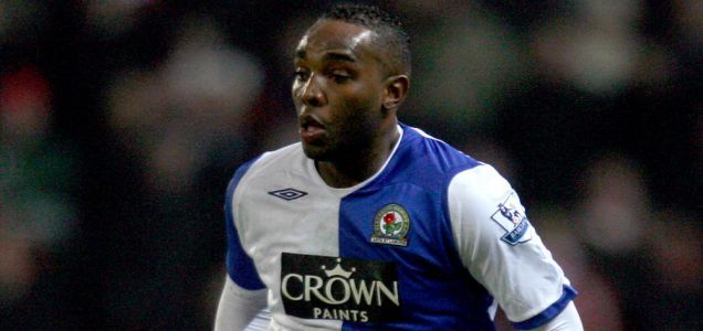 Benni McCarthy has completed his move to West Ham
