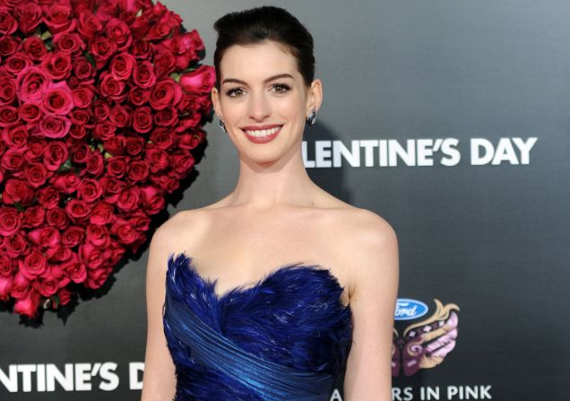 Actress Anne Hathaway looks stunning at the Valentine's Day premeire