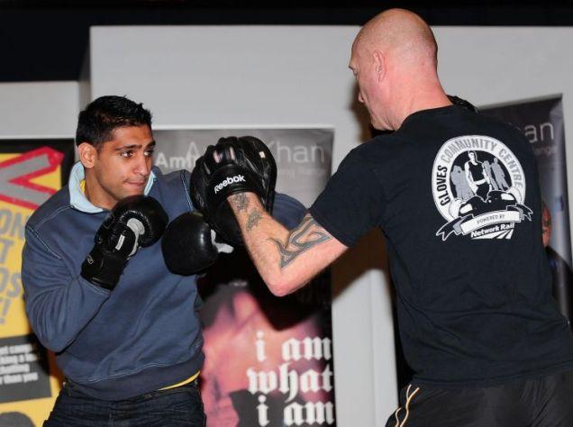 Amir Khan gives a sparring demonstration