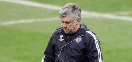 Chelsea boss Carlo Ancelotti could lose the experienced Deco this summer