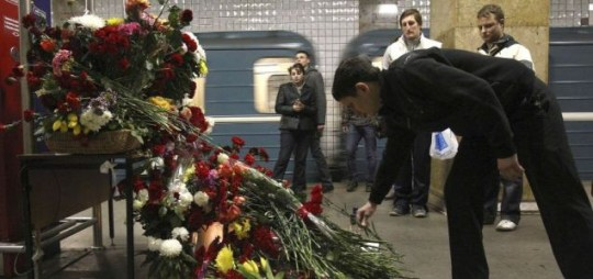 Russians mourn the victims of Moscow's metro bomb deaths