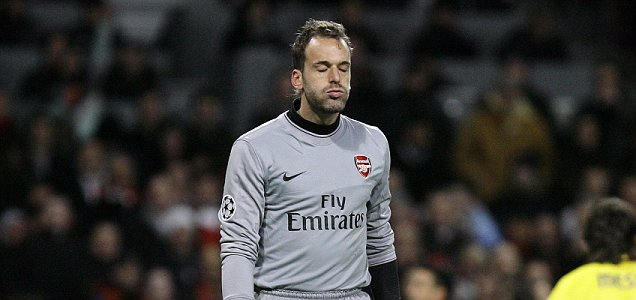 Maximum points: Manuel Almunia says Arsenal need six wins out of six to clinch the Premier League