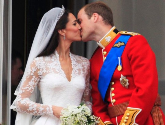 Kate and William kiss balcony