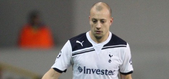Turning into a Villain: Alan Hutton could link up with former manager Alex McLeish at Aston Villa (Action Images)