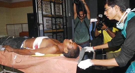 Mumbai, three bomb blasts