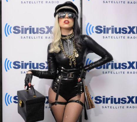 Lady Gaga, Bette Midler, Mermaid, Wheelchair