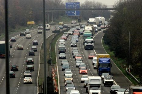 m25 closed lorry accident surrey stretch motorists avoid that area of the motorway