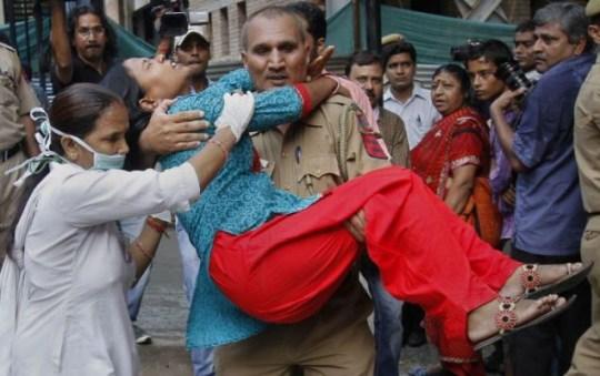 girl injured in New Delhi